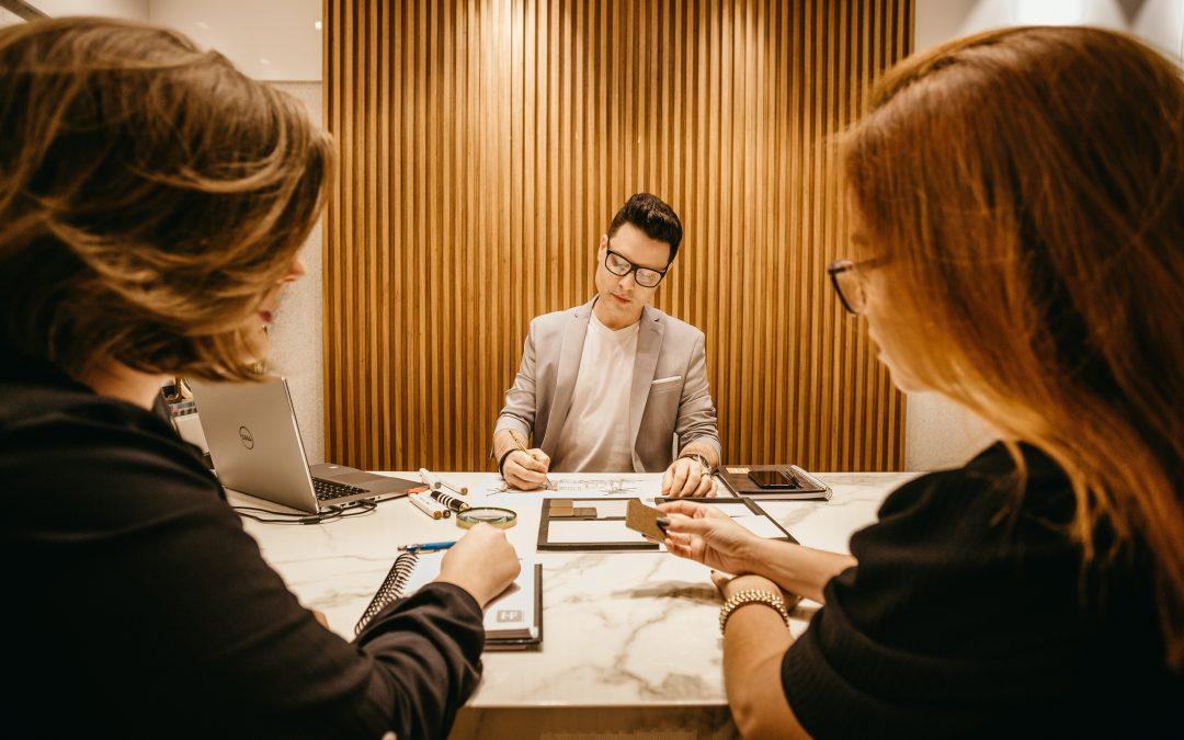Factores de éxito para la contratación de talento y el rol de la discriminación durante el proceso